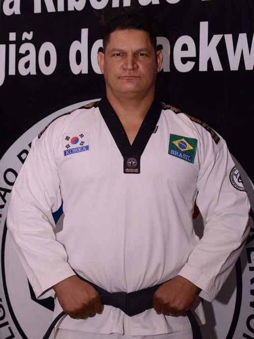 Professor André
